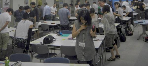 tsu_ideaworkshop_01_kadai-chushutu-work.jpg